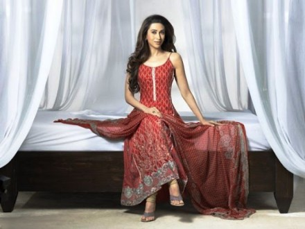 Karishma Kapoor Pics (8)