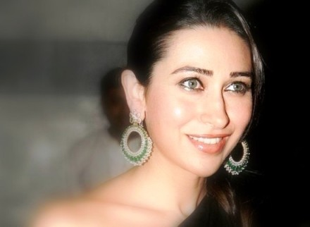 Karishma Kapoor Pics (5)