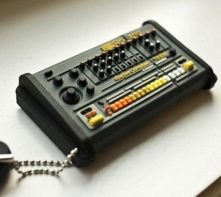Roland TR 808 Flash Drive